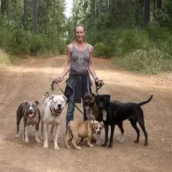 Emily Haley – Behaviorist / Dog Trainer
